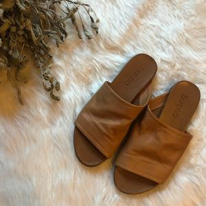 Bueno Leather Sandals